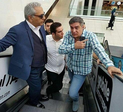 مهران مدیری در حال بازدید از پردیس سینمایی کوروش