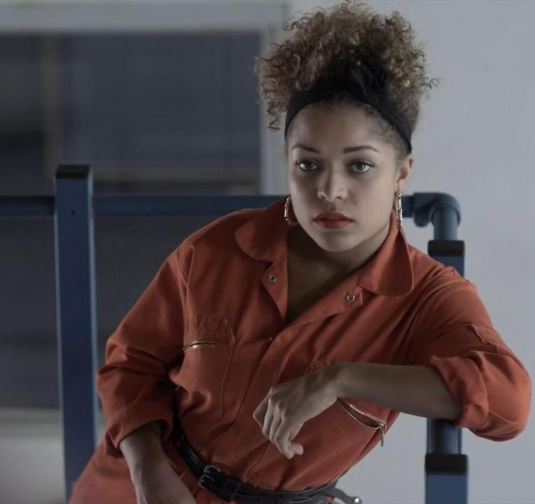 Antonia Thomas در صحنه سریال تلویزیونی Misfits