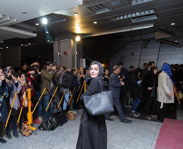لیلا زارع در اکران افتتاحیه فیلم سینمایی آذر