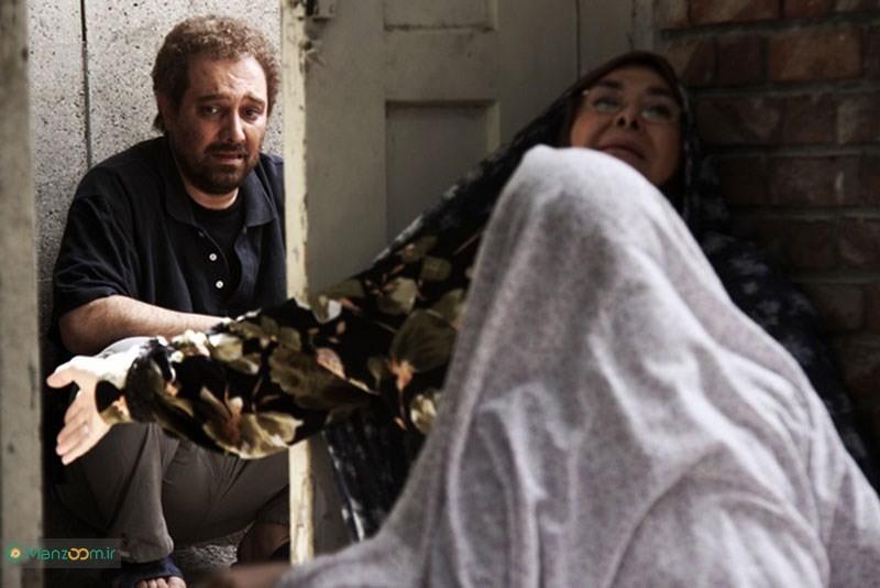 آفرین عبیسی در صحنه فیلم سینمایی چهارشنبه 19 اردیبهشت به همراه برزو ارجمند