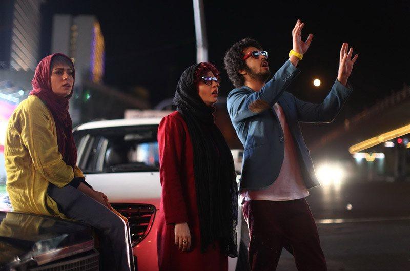 پگاه آهنگرانی و مهرداد صدیقیان در فیلم مادر قلب اتمی