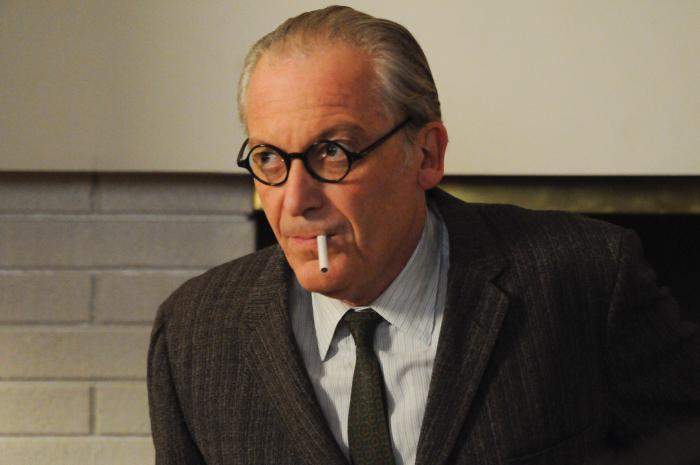 Ronald Guttman در صحنه سریال تلویزیونی مردان مد