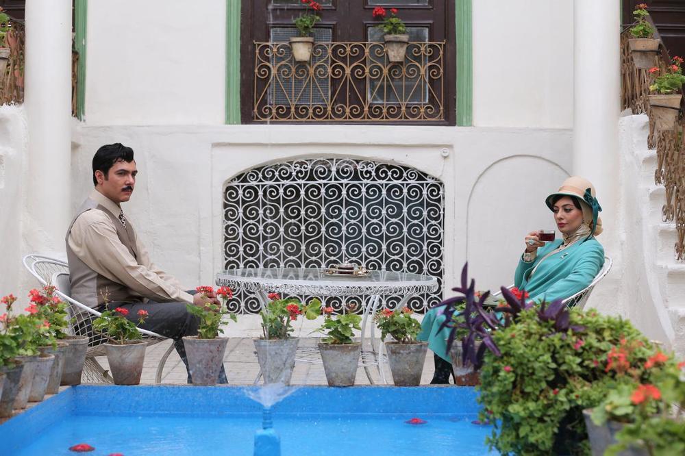 یکتا ناصر و کوروش تهامی در فیلم آشوب