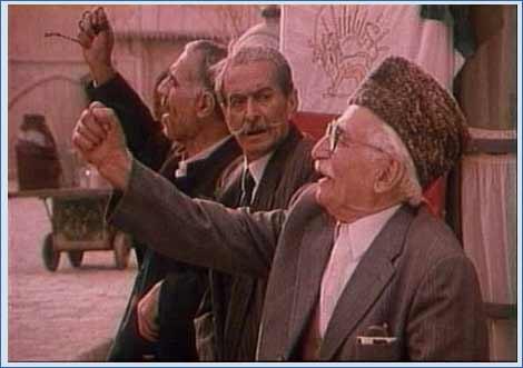 منصور والامقام در صحنه سریال تلویزیونی کیف انگلیسی
