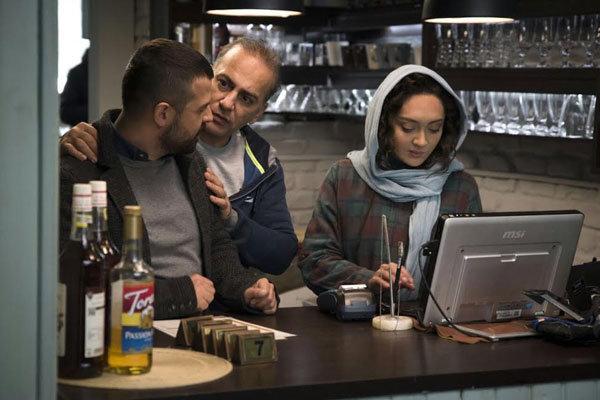 هومن سیدی و حمیدرضا آذرنگ در فیلم سینمایی آذر