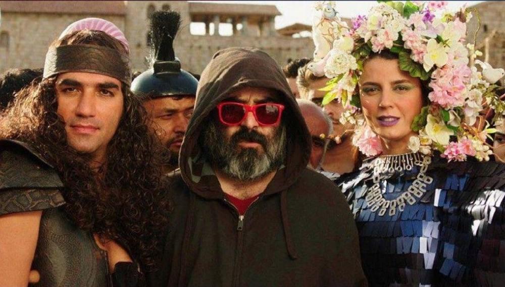 رضا یزدانی در پشت صحنه فیلم سینمایی خوک به همراه حسن معجونی و لیلا حاتمی