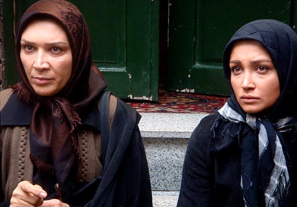 مینا نوروزی فرد در صحنه سریال تلویزیونی خانه بی پرنده