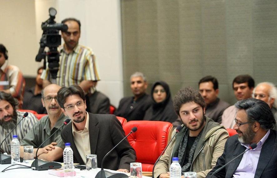 حسین جعفری در نشست خبری سریال تلویزیونی یوسف پیامبر به همراه امیرحسین مدرس