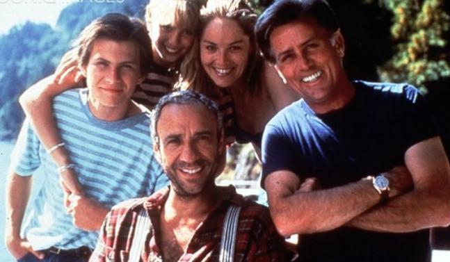 فهرید موری آبراهام در صحنه فیلم سینمایی Beyond the Stars به همراه Christian Slater، شارون استون، مارتین شین، Robert Foxworth و Olivia d'Abo