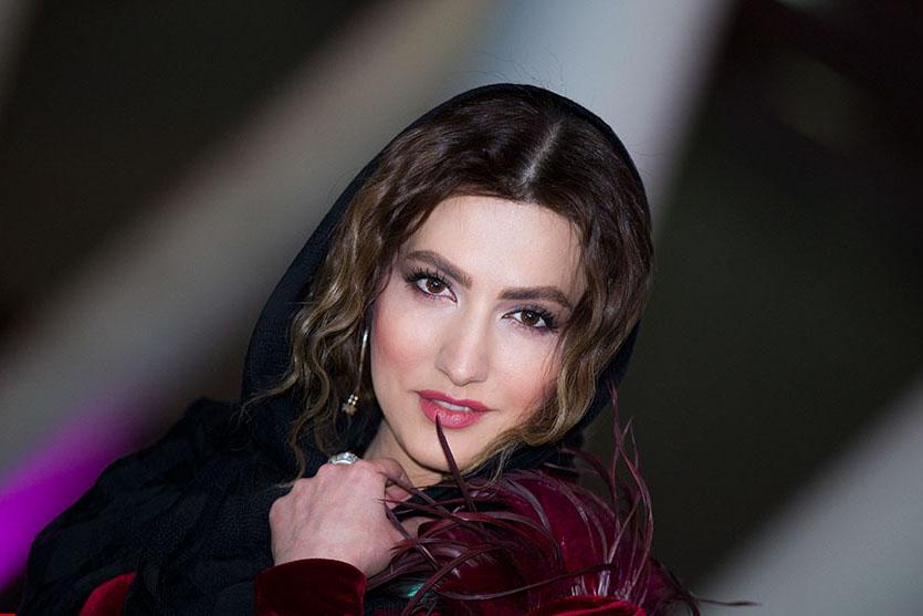 سمیرا حسینی در اکران افتتاحیه فیلم تلویزیونی خجالت نکش