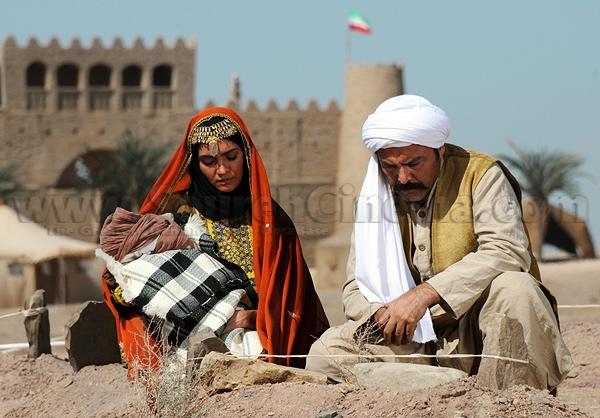 میترا حجار و فریبرز عربنیا در فیلم خاک و آتش
