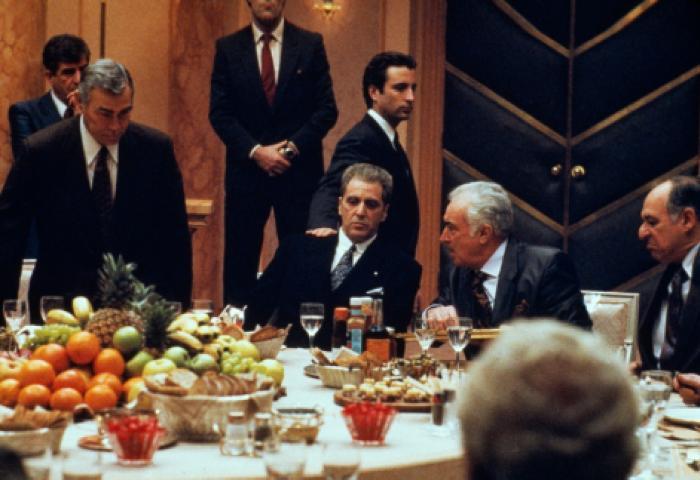Carmine Caridi در صحنه فیلم سینمایی پدرخوانده: قسمت سوم به همراه آل پاچینو و Andy Garcia