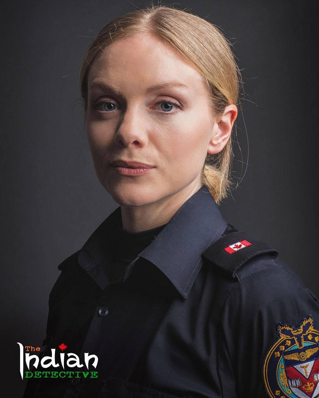 Christina Cole در صحنه سریال تلویزیونی The Indian Detective