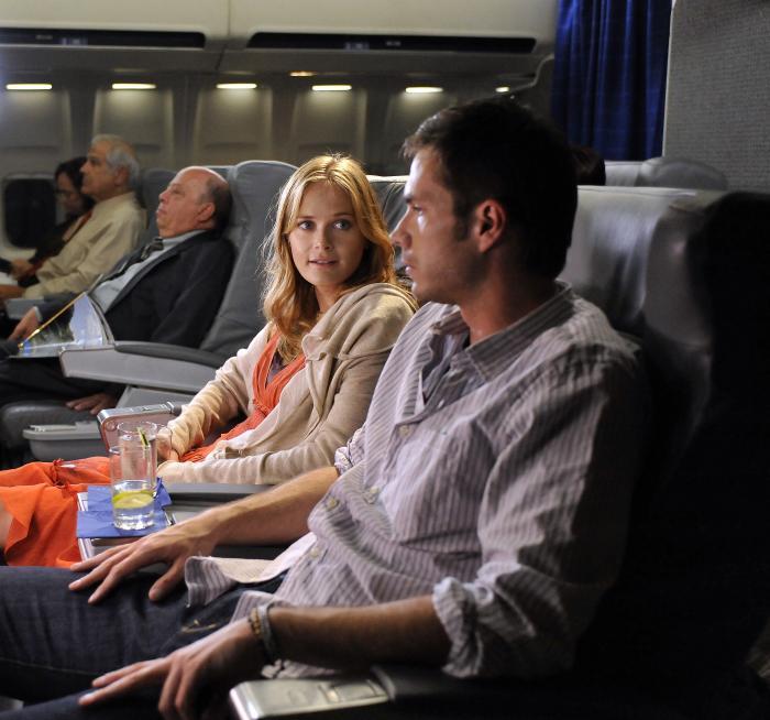 Rachel Blanchard در صحنه فیلم سینمایی Overnight به همراه جیمز دارسی
