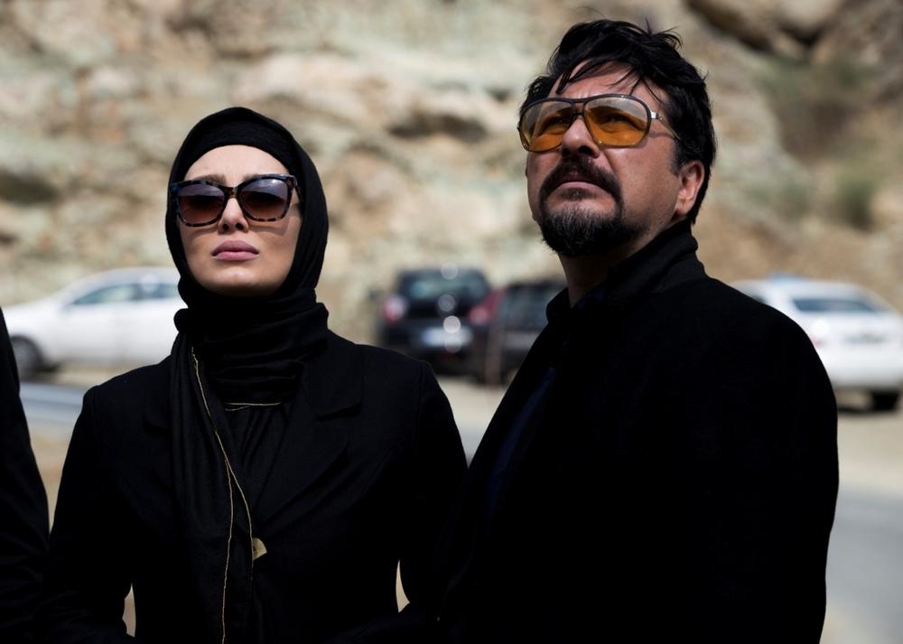 امیرحسین صدیق در صحنه فیلم سینمایی خالتور به همراه سحر قریشی