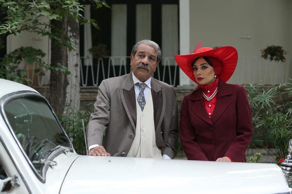 یکتا ناصر و داریوش فرهنگ در فیلم آشوب