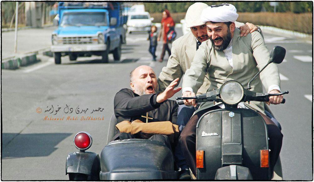 جواد عزتی در فیلم سینمایی اکسیدان