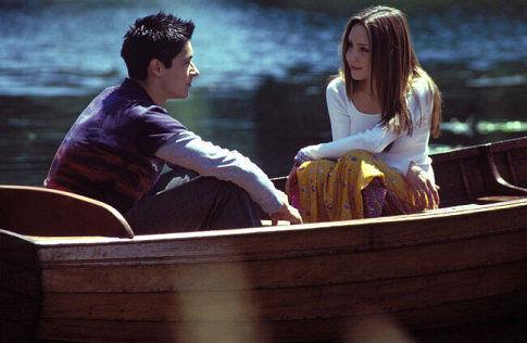 Oliver James در صحنه فیلم سینمایی چیزی که یک دختر می خواهد به همراه Amanda Bynes