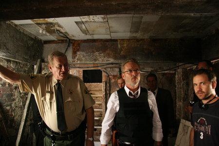 Ken Howard در صحنه فیلم سینمایی 2:13 به همراه Mark Thompson و Charles Adelman