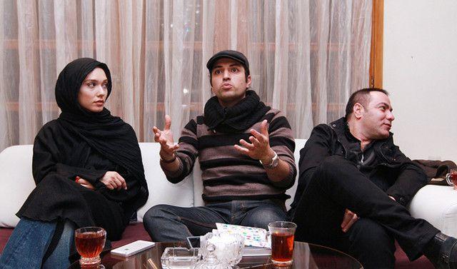 اشکان خطیبی در نشست خبری سریال تلویزیونی بچههای نسبتاً بد به همراه شهرزاد کمالزاده