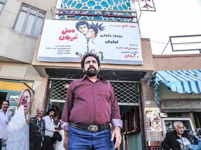پرویز پرستویی در صحنه فیلم سینمایی لس آنجلس تهران