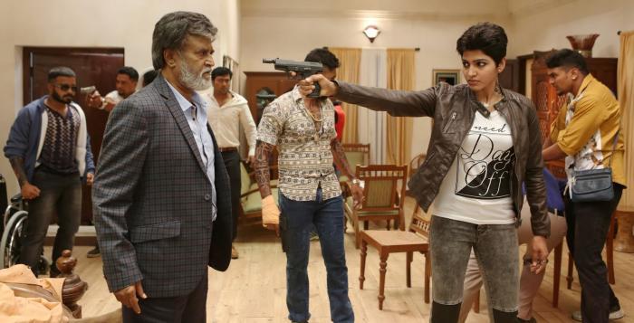 Dhansika در صحنه فیلم سینمایی Kabali به همراه Kalaiyarasan، Dinesh و راجینیکانت