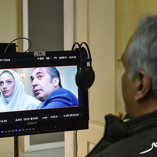 مهران مدیری در پشت صحنه فیلم ساعت 5 عصر