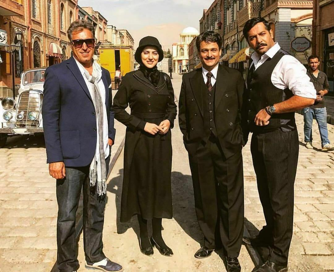 حسین یاری در پشت صحنه سریال تلویزیونی از یادها رفته به همراه کامران تفتی، صحرا اسداللهی و بهرام بهرامیان