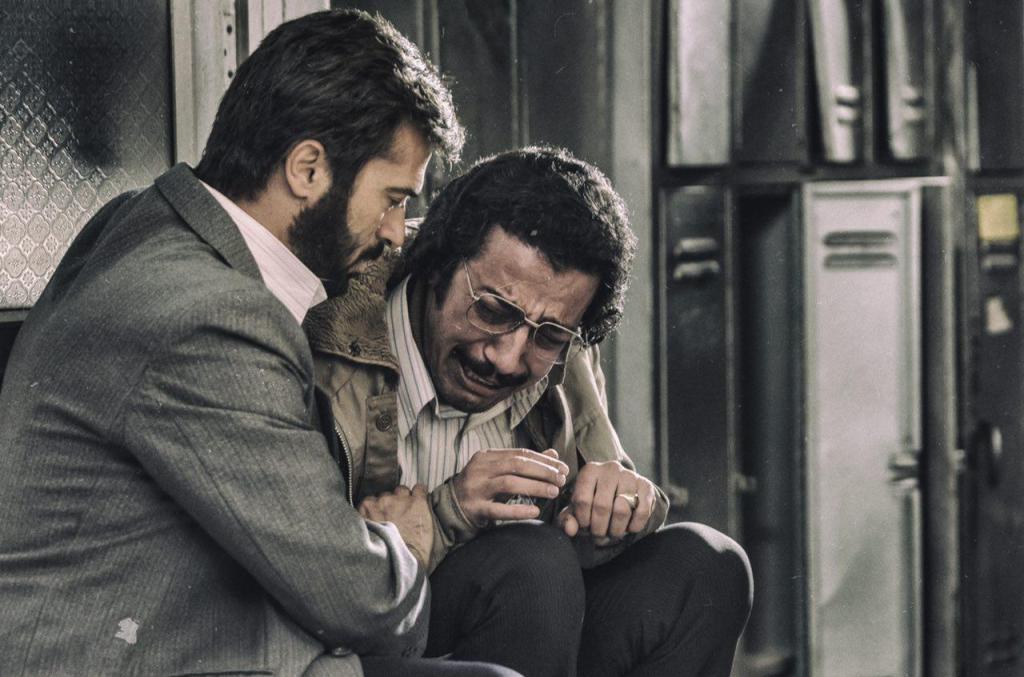 نقد فیلم سینمایی ماجرای نیمروز در سایت منظوم