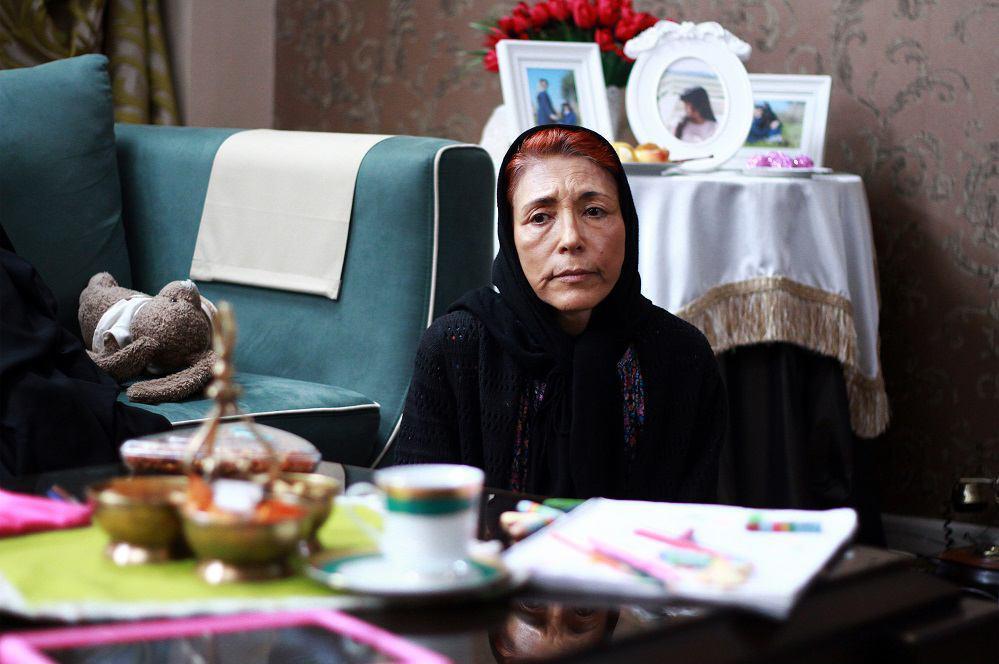 فهیمه رحیمنیا در صحنه فیلم سینمایی شنل