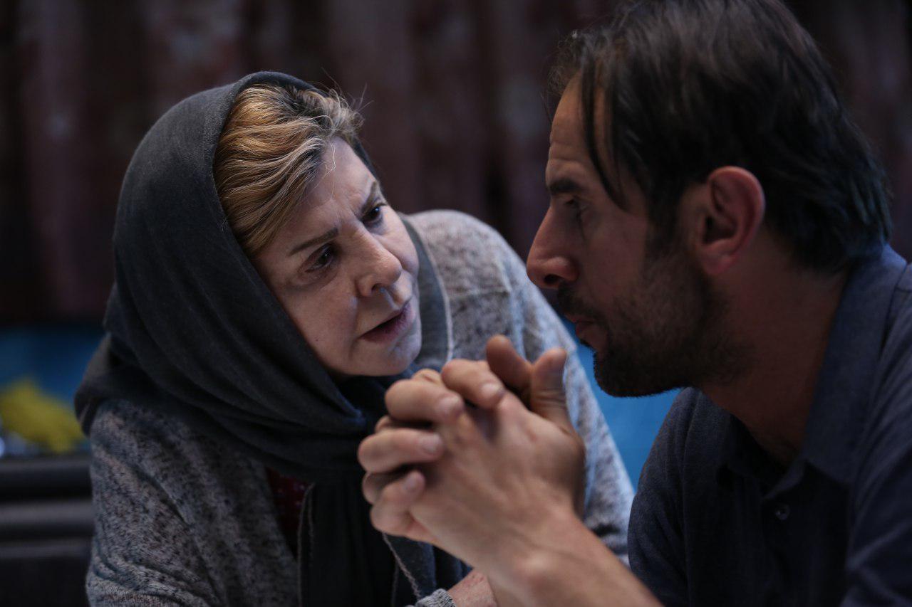 امین حیایی و زهرا حاتمی در فیلم سینمایی شعله ور