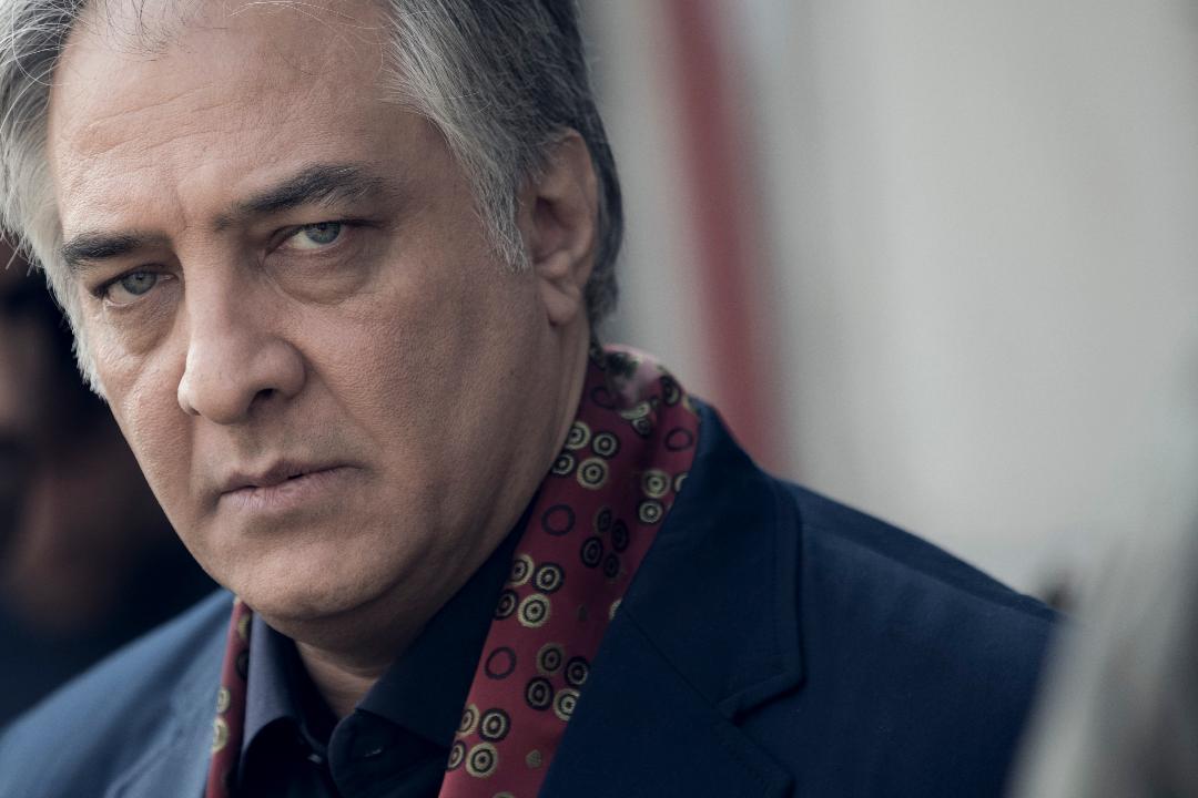 ایرج نوذری در صحنه سریال تلویزیونی سارقان روح