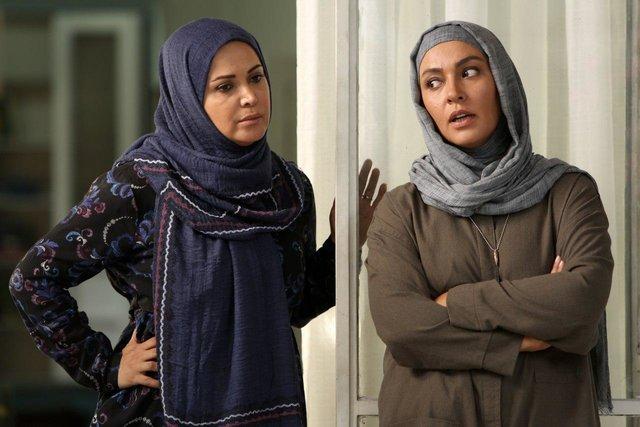 زیبا بروفه و کمند امیرسلیمانی در سریال تلوزیونی هاتف