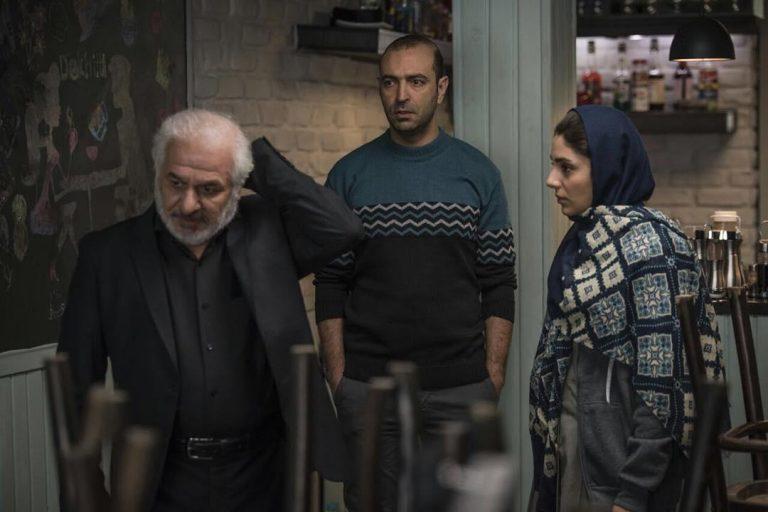 لیلا زارع و سید فرید سجادی حسینی در فیلم سینمایی آذر
