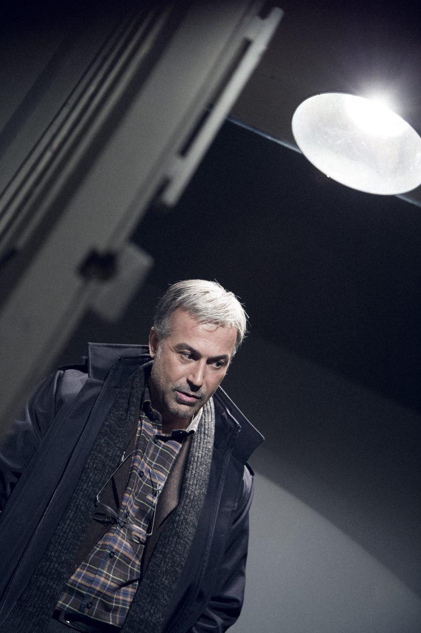 دانیال حکیمی در صحنه سریال تلویزیونی سارقان روح