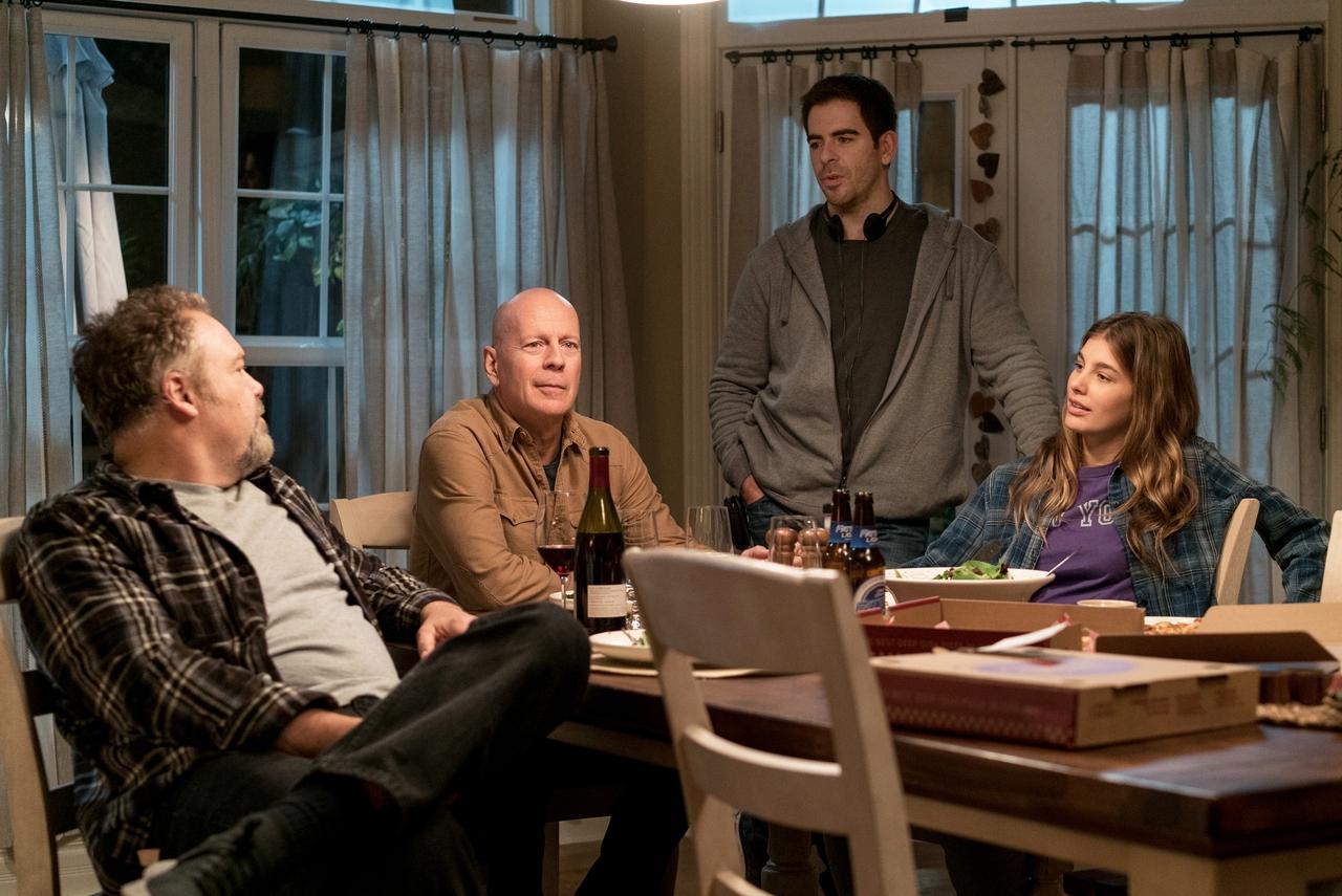 الی راث در صحنه فیلم سینمایی آرزوی مرگ به همراه Camila Morrone، وینسنت دن آفریو و بروس ویلیس