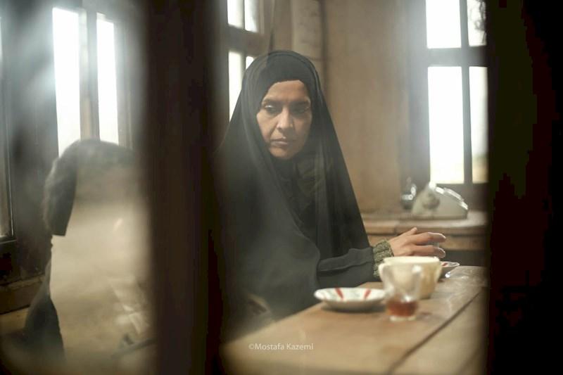 نازنین فراهانی در صحنه سریال تلویزیونی شکوه یک زندگی
