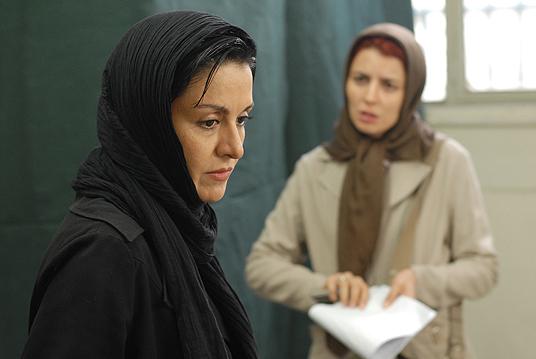 لیلا حاتمی و مریلا زارعی در فیلم جدایی نادر از سیمین
