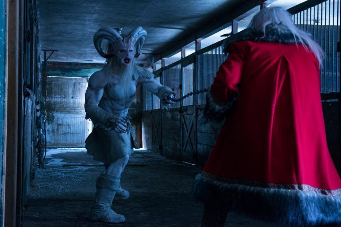 George Buza در صحنه فیلم سینمایی A Christmas Horror Story به همراه Rob Archer