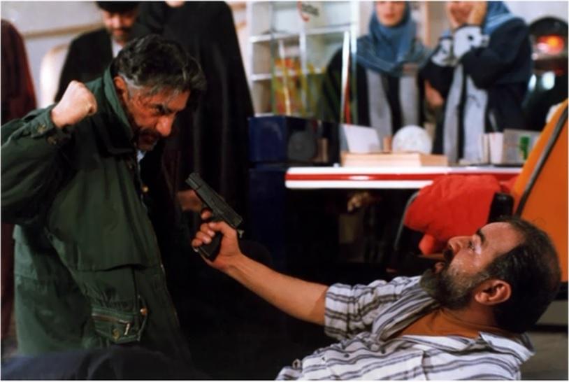 پرویز پرستویی و رضا کیانیان در فیلم آژانس شیشهای