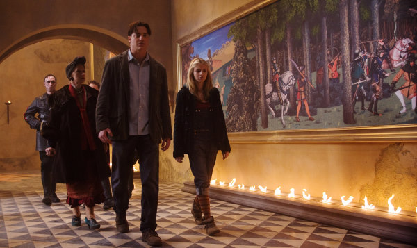 Eliza Bennett در صحنه فیلم سینمایی نقش دل به همراه هلن میرن و Brendan Fraser