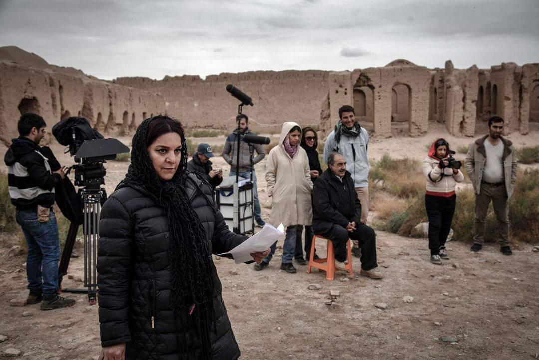 تهمینه میلانی در پشت صحنه فیلم ملی و راههای نرفتهاش