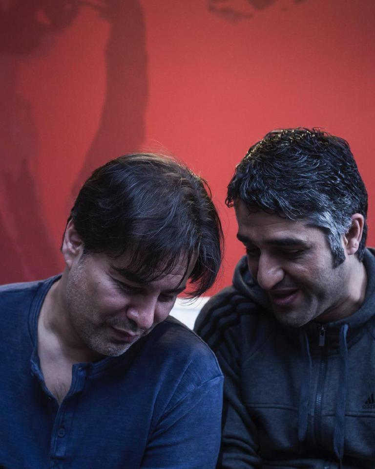 پیمان قاسمخانی و پژمان جمشیدی در پشت صحنه فیلم خوب بد جلف