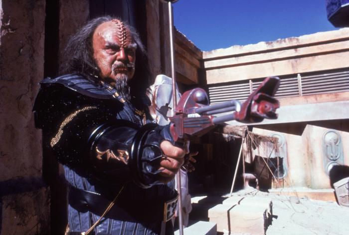 Charles Cooper در صحنه فیلم سینمایی سفرهای ستاره ای 5 (پیشتازان فضا): مرز نهایی