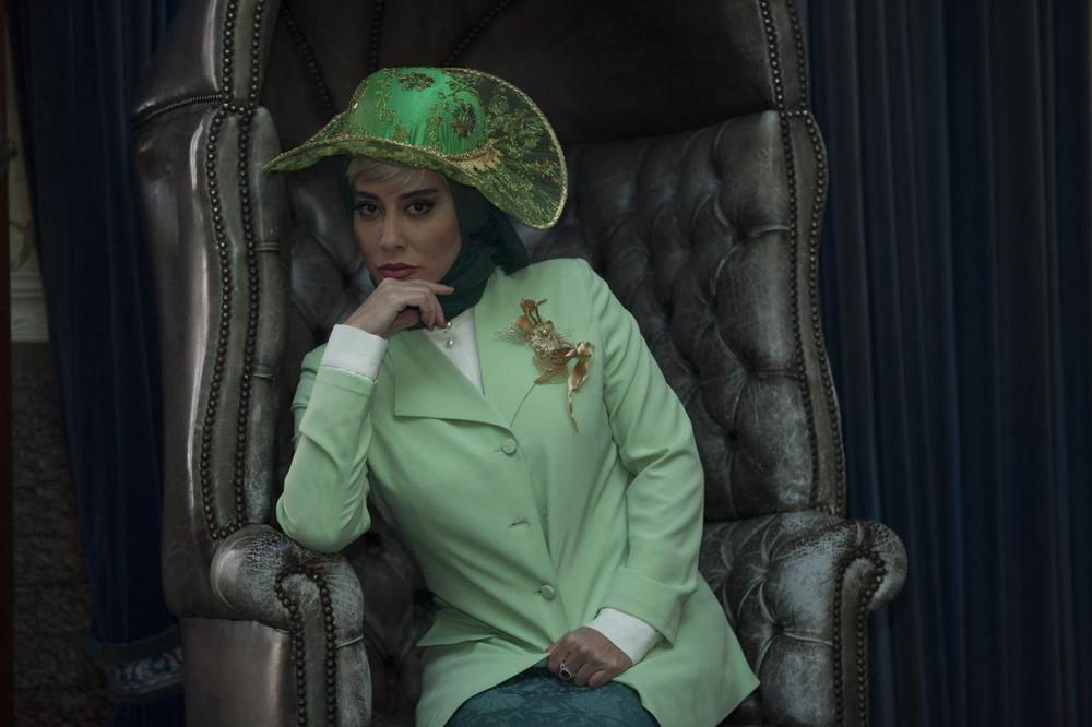 آشا محرابی در فیلم آشوب