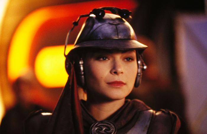 Leeanna Walsman در صحنه فیلم سینمایی جنگ ستارگان - حمله کلون ها