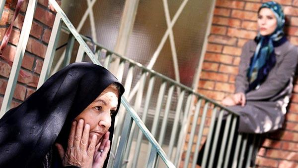 مینا جعفرزاده در صحنه سریال تلویزیونی نابرده رنج