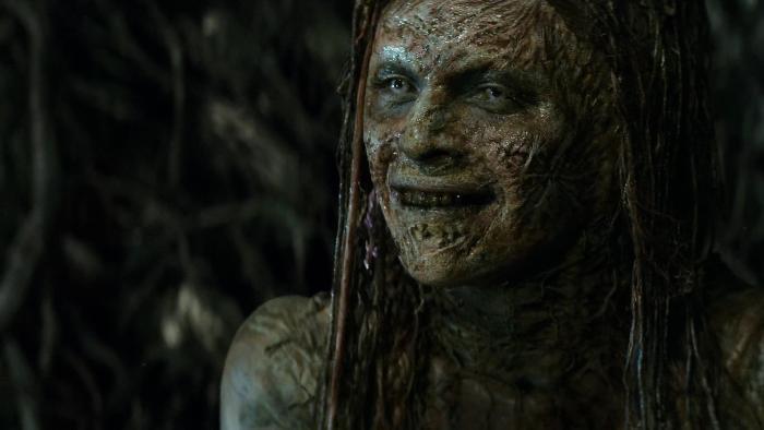 Julie Engelbrecht در صحنه فیلم سینمایی آخرین شکارچی جادوگر