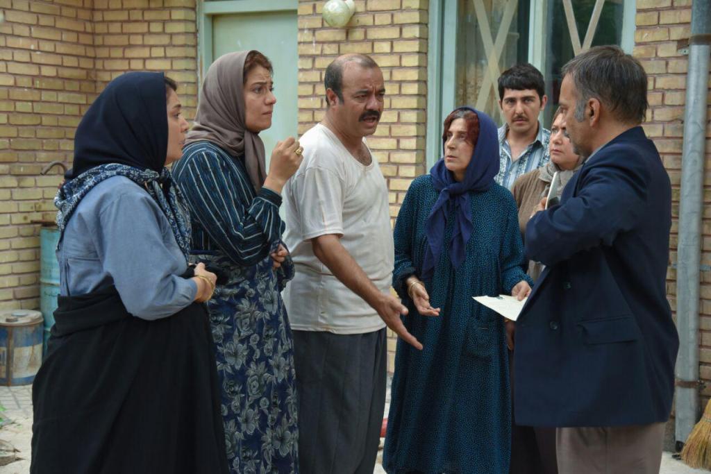 حمیدرضا آذرنگ و شبنم مقدمی در فیلم آباجان
