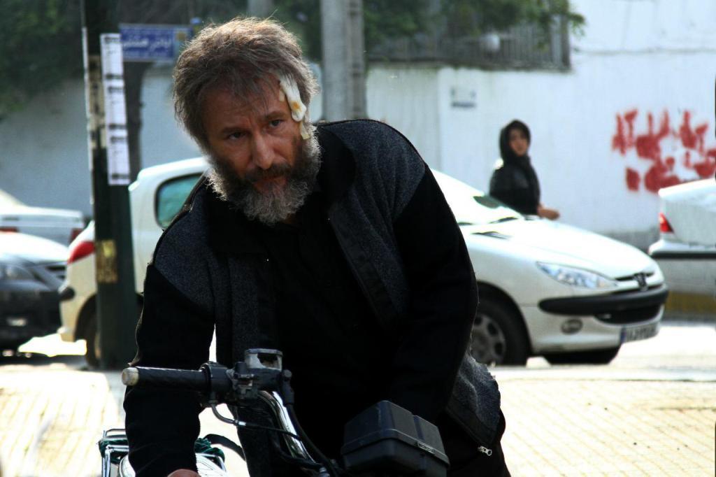 رضا بهبودی در فیلم سینمایی شنل